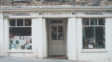 literary fiction vs genre fiction